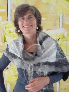 Janny met boeddhasjaal van Joke. mei 2014