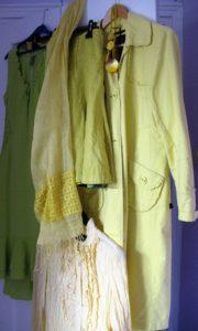gele kleding van Janny ter Meer. 2016